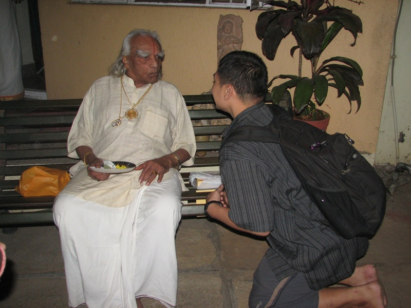 April 2009 - Saying a mini farewell to Guruji