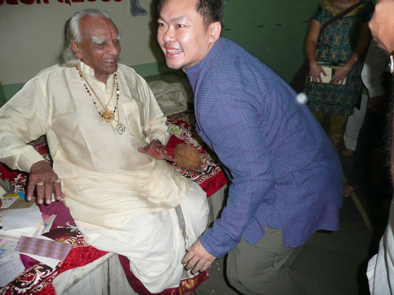 December 2009 - Guruji's 91st birthday